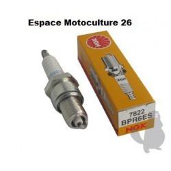 Bougie d'allumage NGK BPR6ES Pour moteur HONDA GX110 - GX120 - GX140 - GX160 - GX200 - GCV135 - GCV160